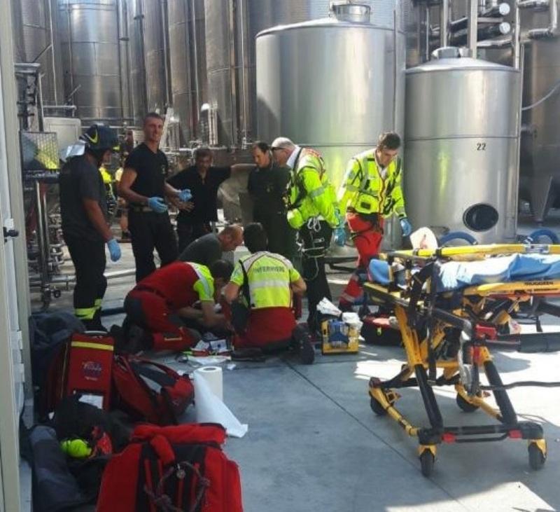 TRAGEDIE în Italia. Un român a murit într-o cisternă pentru fermentarea vinului în Treviso