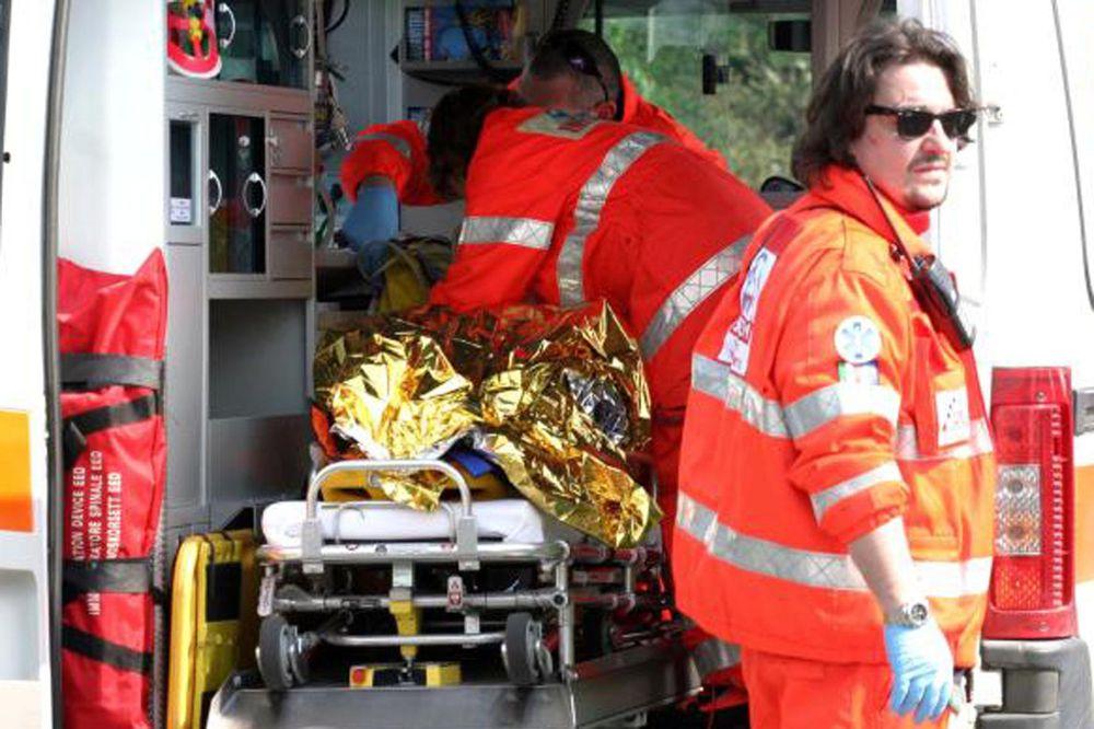 Îngrijitoare română și bătrâna pe care o îngrijea, lovite de o mașină. Pensionara de 90 de ani a murit