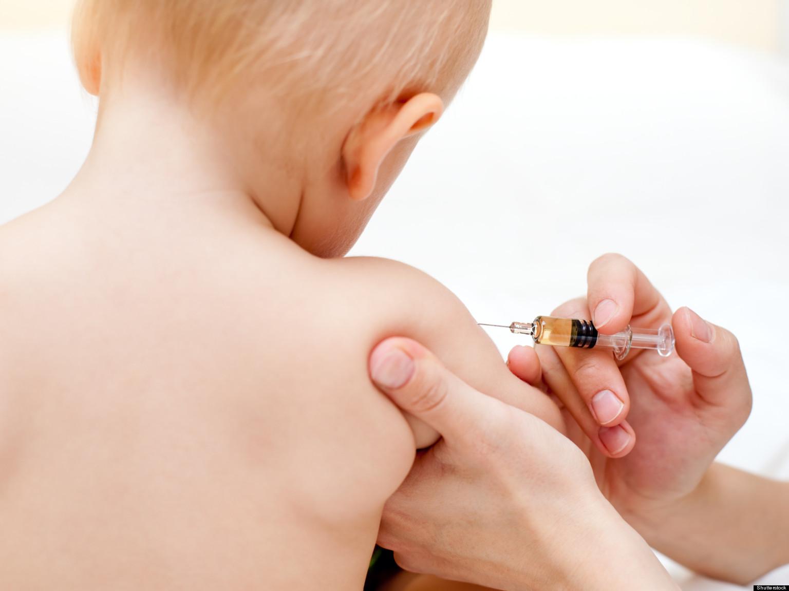 ITALIA – Vaccinarea minorilor pentru accesul la creșe și grădinițe. Părinții pot prezenta declarații pe proprie răspundere