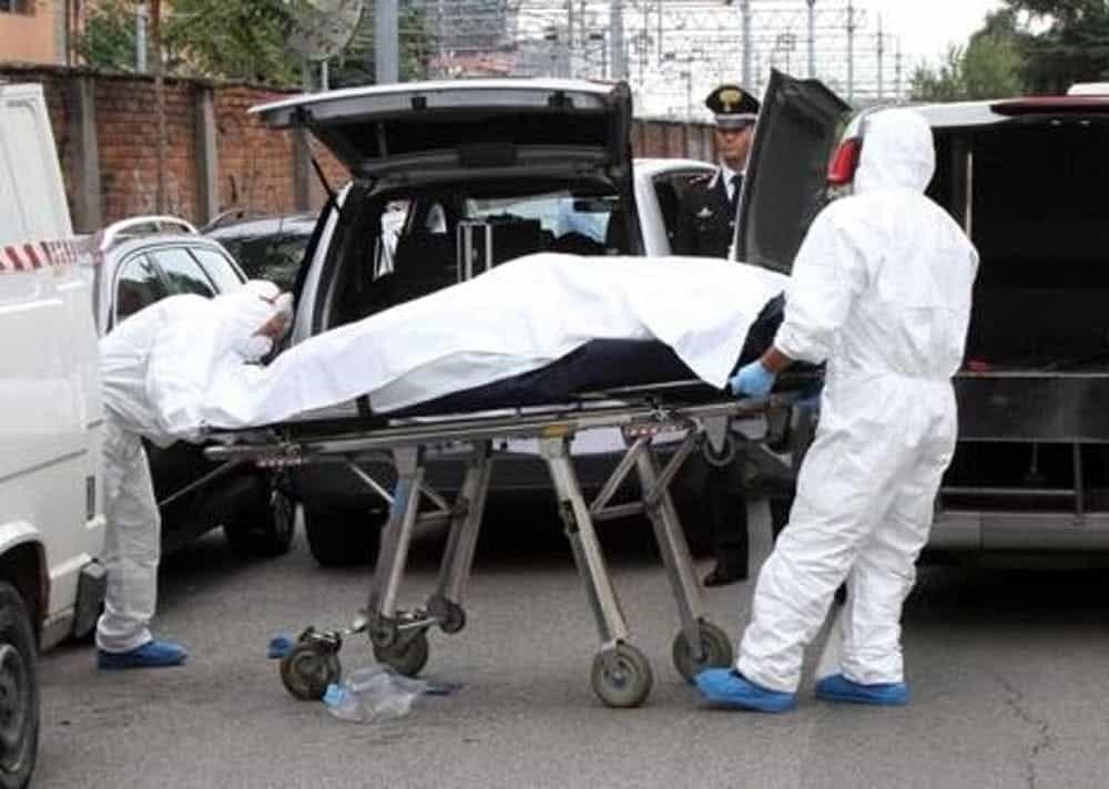 ȘOC în Italia. Român de 15 ani, ucigaș cu sânge rece: și-a împușcat tatăl vitreg și i-a aruncat cadavrul într-un canal