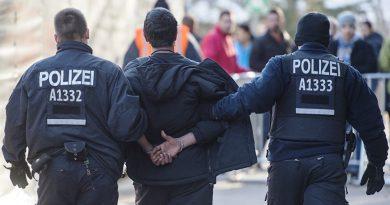 Polițiști din GERMANIA, răniți de un bărbat care a refuzat să poarte mască într-un supermarket