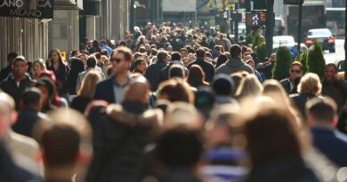 BREXIT: Peste 2,45 milioane de cetăţeni UE au primit dreptul de a trăi şi a munci în Regatul Unit