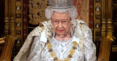 """Regina Marii Britanii: """"Prioritatea a fost întotdeauna să asigur ieşirea Regatului Unit din UE la 31 octombrie"""""""