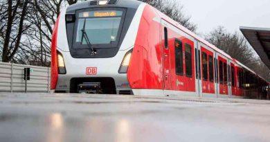 Un bărbat din Germania s-a pus în fața unui tren pentru a-l împiedica să plece fără soția sa