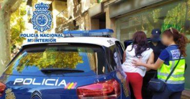 Doi soți români, arestați în Spania pentru spargeri în locuințe. Complicele era un albanez