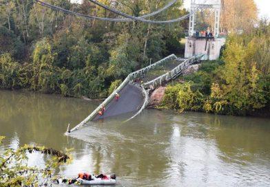Pod prăbușit în Franța în timp ce era traversat de un camion. O fată de 15 ani a murit