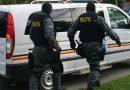 Poliția Română a adus în țară 13 persoane urmărite internațional. Alte 11 au fost extrădate