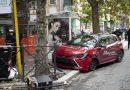 Italia: O șoferiță de 79 de ani a intrat cu mașina într-o stație de autobuz. Cinci răniți, o mamă în stare gravă