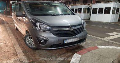 Unui român i-a fost confiscată la frontieră mașina Opel Vivaro cumpărată de la un conațional