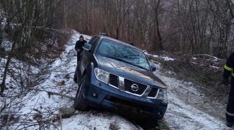 Un bărbat care a ales drumul cel mai scurt pe GPS, salvat de pompierii din România după un apel la 112