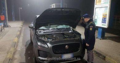 Autoturism în valoare de peste 40.000 de euro, căutat de autoritățile din Italia, depistat la frontieră