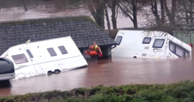 """Furtuna """"Dennis"""": Trei morți în Marea Britanie. Avioane la sol și inundații """"potențial mortale"""" – VIDEO"""