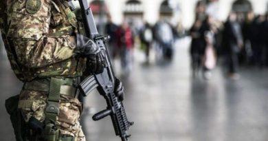 ITALIA: Guvernatorul Lombardiei cere Armatei să iasă pe străzi pentru a garanta că oamenii rămân în case