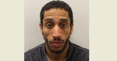 LONDRA: Trei luni de închisoare pentru un bărbat care a furat TREI măști de protecție dintr-un spital