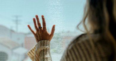 MAREA BRITANIE: Românii sunt obligați în continuare să intre în izolare 14 zile