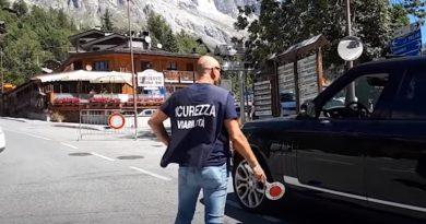 ITALIA: Autoritățile avertizează privind riscul de prăbușire a unui ghețar