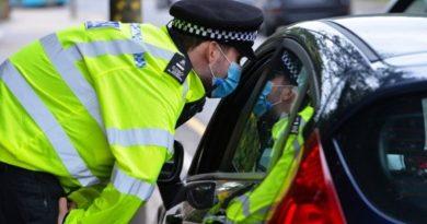 Marea Britanie: Amenzi de până la 10.000 de lire sterline pentru nerespectarea autoizolării