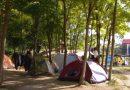 SERBIA: Migranții își ridică corturi la frontieră așteptând să poată intra ilegal într-o țară UE