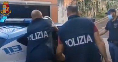 ITALIA: Românul proprietar al camionului în care au fost găsiți zeci de imigranți morți a fost arestat
