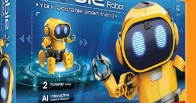 """Concurs de desen pentru copii: """"My Smart Robot"""". Premiul, cinci roboți Tobbie 2"""