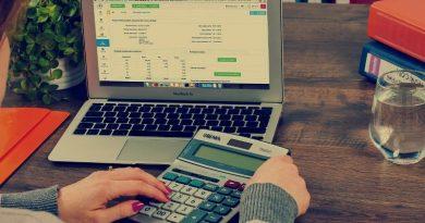 Consiliul Concurenței: Legea privind firmele de contabilitate trebuie modificată. Contabil: O porcărie, e vorba de foarte mulți bani!
