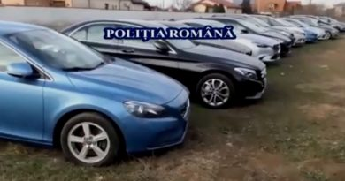 Mașini furate din Marea Britanie, găsite în posesia a doi tineri din Bacău